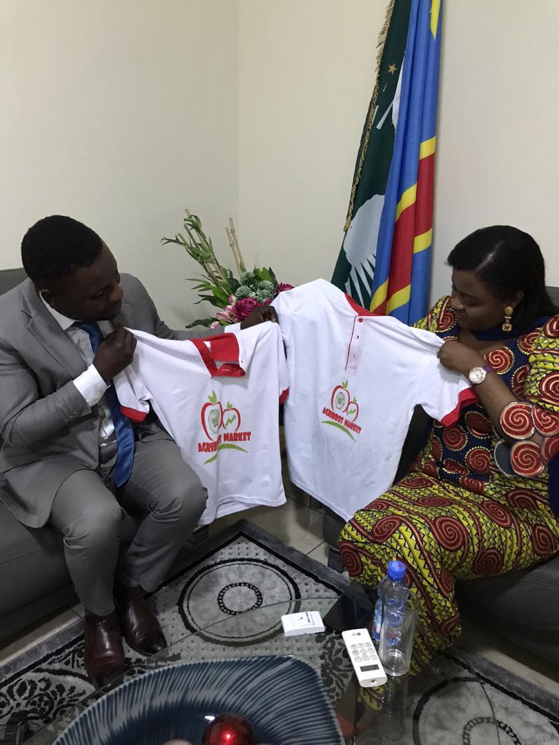 Résumé de l'échange avec la Sénatrice Francine MUYUMBA - CHALLENGE #JIFAGRI2020 POUR LA FEMME CONGOLAISE ET AFRICAINE